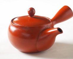 急須の注ぎ口と茶こしの洗い方